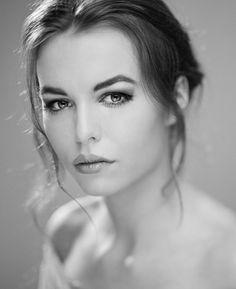 Ekstraordynaryjne portrety kobiet autorstwa Marcina Wajdy | Fotoblogia.pl