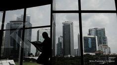 Saat ini menurut berita yang saya terima dari laman kontan.co.id, menunjukkan bahwa ruang perkantoran di Jakarta saat ini mulai banyak yang kosong. Baca berita berita selengkapnya..