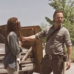 """""""When you are feeling down and come across your fave in you photo bank and they put a smile on your face ❤️"""" Walking Dead Show, The Walking Dad, Rick And Michonne, Carl Grimes, Feeling Down, Beautiful Family, Otp, Over The Years, Conversation"""