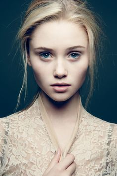 Blond Face, Look Through
