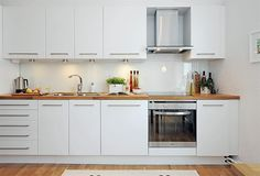 Awesome White Kitchen North Home Street Flat in Linnestaden Interior Design (Awesome White Kitchen North Home Street Flat in Linnestaden Interior Design) design ideas and photos Flat Interior Design, Interior House Colors, Kitchen Sets, New Kitchen, Kitchen Decor, Kitchen Pantry Storage, Kitchen Cupboards, Pantry Organisation, Cheap Countertops