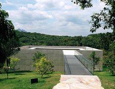 GALERIA ADRIANA VAREJÃO. Location: Brumadinho, Brazil;  architects: Tacoa Arquitetos;  client: Inhotim Centro de Arte Contemporânea;   Photo: Eduardo Eckenfels, Vicente de Mello; year: 2008