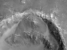 Intersección de un cráter y material eyectado