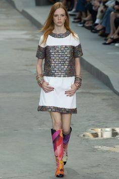 Sfilata Chanel Parigi - Collezioni Primavera Estate 2015 - Vogue