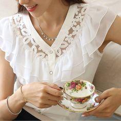 moldesedicasmoda.blogspot.com Blusa muy bella y elegante.