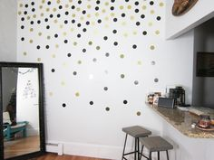 Recursos para cambiar de habitación: de niños a adolescentes – Deco Ideas Hogar Confetti Wall, Art Decor, Room Decor, Decoration, Ideas Hogar, Wall Art Designs, Vinyl Wall Decals, My Room, Home Office