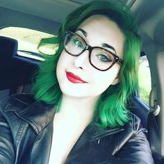 Doesn't @lindsaymarieeeee look ADORABLE in Vibrant Green and red lips? Vibrant Green Conditioners are IN STOCK at overtone.co!