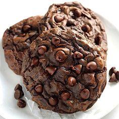 Decadent gooey goodness: Soft Batch Double Chocolate Fudge Cookies  (#recipe http://bakerbynature.com/soft-batch-double-chocolate-fudge-cookies/)