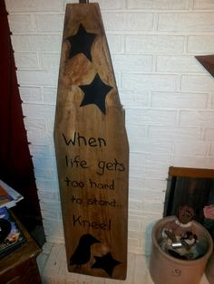 i painted one of my favorite sayings on Painted Ironing Board, Antique Ironing Boards, Wood Ironing Boards, Painted Boards, Primitive Sayings, Primitive Wood Crafts, Prim Decor, Rustic Decor, Family Tree Art