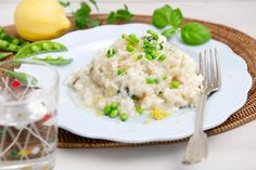 Risi e bisi I © GUSTO / Ulrike Köb I www.gusto.at Risotto, Mashed Potatoes, Ethnic Recipes, Food, Kitchen For Kids, Infant Crafts, Food For Kids, Easy Meals, Food Food