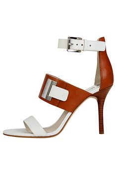 Michael Kors white and brown sandals Pretty Shoes, Beautiful Shoes, Cute Shoes, Me Too Shoes, Dream Shoes, Crazy Shoes, Shoe Boots, Ankle Boots, Shoes Heels