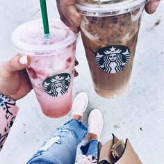 Our Starbucks store locator will help you find locations near you where you can enjoy great beverages and wi-fi. Find a Starbucks now. Copo Starbucks, Starbucks Drinks, Fun Drinks, Yummy Drinks, Fruity Drinks, Beverages, Iced Coffee, Coffee Drinks, Coffee Blog