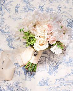 A Timeless, Elegant Wedding in Washington, D.C. Trailing Bouquet, Ribbon Bouquet, Bouquet Wrap, Small Bouquet, Popular Wedding Songs, White Wedding Bouquets, Bridal Bouquets, Wedding Flowers, Vintage Centerpieces
