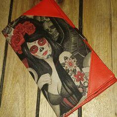 Lolita sur Instagram: Premier complice de sacotin avec un magnifique tissu alexander henry dégoté chez @nadegetissus, qui aura bien mis ma machine à coudre a l…