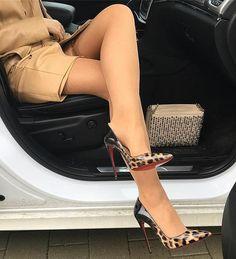 "626 Likes, 23 Comments - MetisseonHeels (@metisseonheels3625) on Instagram: ""Kinky night on its way #legavenue #heels #sexylegs #metisseonheels #lightskingirl #gambettes…"""
