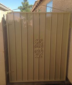 Standard Single Gate with Privacy Screen