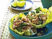 Thai chicken larb A breeze to make, delicious flavors, and light to boot. -VanessaA breeze to make, delicious flavors, and light to boot. Healthy Freezer Meals, Healthy Eating Recipes, Healthy Cooking, Cooking Recipes, Healthy Food, Thai Chicken, Chicken Salad, Wine Recipes, Sauces