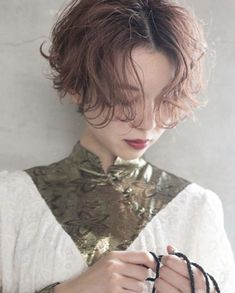 Japanese Hairstyle Pin By Tomboy Hairstyles, Slick Hairstyles, Permed Hairstyles, Hairstyles With Bangs, Girl Short Hair, Short Hair Cuts, Short Hair Styles, Ulzzang Girl Fashion, Hair Setting