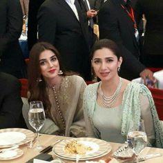 Mahira Khan and Maya Ali Pakistani Party Wear, Pakistani Dress Design, Pakistani Outfits, Indian Attire, Indian Wear, Mahira Khan Dresses, Bridal Mehndi Dresses, Maya Ali, Muslim Beauty