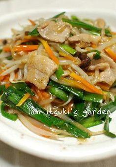 Pork and vegetables bean sprouts stir fry 豚バラとにらモヤシのとろみ炒め♪