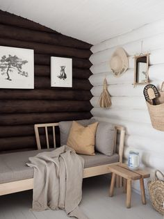 Hirsimökin muodonmuutos: saunatupa   SLIIK Bar Design, Design Studio, House Design, Log Cabin Homes, Cottage Homes, Plywood Furniture, Little Log Cabin, Cabin Interior Design, Cottage Interiors