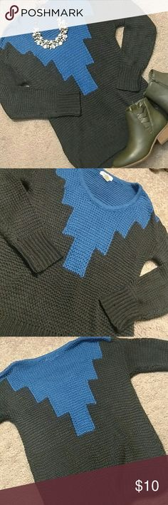Knit atzec sweater Loose fitting cable knit sweater. Excellent condition. Belle Du Jour Sweaters Crew & Scoop Necks