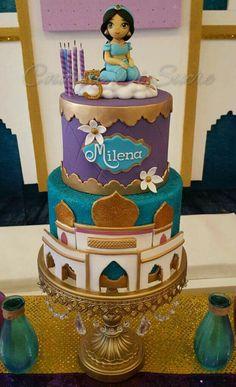 Jasmine Birthday Cake, Aladdin Birthday Party, Aladdin Party, Princess Birthday, Disney Themed Cakes, Disney Cakes, Princess Jasmine Cake, Princess Cakes, Jasmin Party