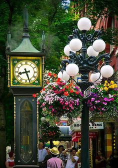 Gastown Steam Clock in Vancouver, Canada (by janusz). ~ Vancouver is one of my favorite cities ever! Places Around The World, The Places Youll Go, Travel Around The World, Places To Go, Around The Worlds, Wonderful Places, Beautiful Places, Beautiful Streets, Amazing Places