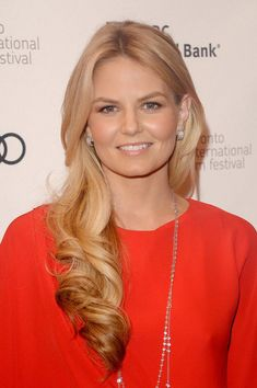 "Jennifer Morrison, who plays Emma Swan in the ABC hit ""Once Upon a Time,"" opted for a more natural look as she was snapped stepping out of the Madeo restaurant in West Hollywood. Description from kdramastars.com. I searched for this on bing.com/images"