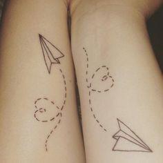 Às vezes você vê uma tatuagem e sente que algo está faltando. Mas talvez essa parte que falta não é para ser colocada lá por um tatuador. Na verdade é possível que ela esteja em uma outra pessoa muito amada.