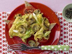 Pilz-Omelett mit Tomaten: ideales Frühstück für Kinder, die zum Lernen und Toben viel Kraft und Energie brauchen.