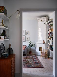 Våra Hem – Historiska hem Romantic Home Decor, Classic Home Decor, Cute Home Decor, Easy Home Decor, Home Decor Styles, Home Decor Bedroom, Cheap Home Decor, Home Decor Accessories, Interior Livingroom