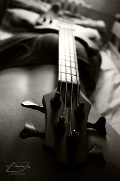 Learn how to play bass guitar. Slowly on my way, yayy!