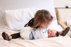 A Twist on Newborn Photos: Meet-the-Sibling Photos