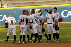 @Sultanes de Monterrey 0-6 Olmecas 24/04/14 Foto: Roberto Alanís