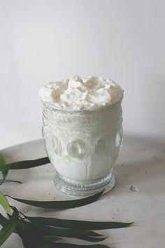 Natural homemade shaving cream recipe with coconut oil