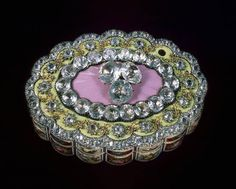 Diamond Snuffbox - belonged to the Yussupovs, one of the ancient and the richest noble families of Russia that were tied with the Romanovs -  Nikolay II's niece and Yussupov's young heir Felix, who later murdered Rasputin, were married - This snuffbox belonged to The Yussupovs since the reign of Alexander I, grandson of Catherine The Great, and was brought from Switzerland in 1830s.
