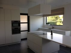 Keuken in satijnlak, alles wit, modern, JL design