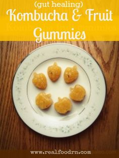 Kombucha Fruit Gummies. Gut-healing gelatin, probiotic kombucha, vitamins and minerals. Healthy snacks for kids and adults alike! #kombucha #healthygummies