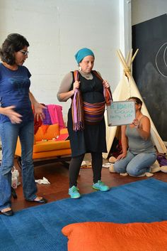 "Using a rebozo for a ""belly lift"". Photo courtesy of greendoula"