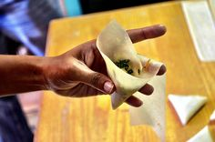 South Africa Samoosas to celebrate World thinking day with Girl Scouts! Not sure what they will think of these, but sound good to me! South African Dishes, South African Recipes, Ethnic Recipes, Africa Recipes, Eid Food, Samosa Recipe, Malay Food, Middle Eastern Dishes, World Thinking Day