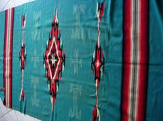 Etsy の Chimayo Blanket Vintage 1930's Turquoise by AtticFanaticUS
