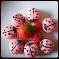 Macarons fraise coccinelle