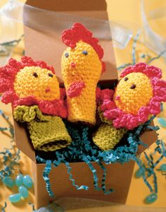Who wouldn't be cheered up b the happy little puppets? They will quickly crochet up for the little ones in your life. They are also the perfect donation project for the children at a hospital or daycare center. Finger Crochet, Finger Knitting, Baby Knitting, Crochet Bear, Crochet For Kids, Crochet Toys, Puppet Patterns, Knitting Patterns, Crochet Patterns