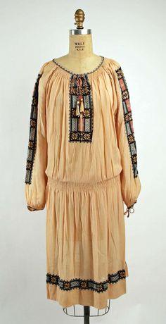 vintage 1920s folkloric dress