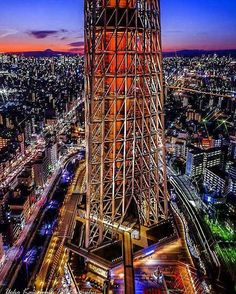 スカイツリーの左にちょこんと富士山が見えます☆ * * #スカイツリー #skytree #twilight #yakei_luv #nightscape #nightphotography #ptk_night #icu_nightlife #ir_night #loves_night #富士フイルム #fujifilm_xseries #東京カメラ部 #tokyocameraclub #andtokyo #iger #igersjp #icu_japan #jp_gallery #team_jp #best_photogram #ig_snapshots #citypicz #mycity_life #thecity_life #icu_sunset #ig_best_sunset #world_great #写真撮ってる人と繋がりたい #写真好きな人と繋がりたい