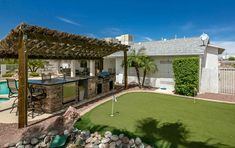 Gallery of golf backyard putting green ideas. See pictures of golf putting green designs to give you inspiration for creating your own home golfing space Outdoor Putting Green, Golf Putting Green, Outdoor Rooms, Outdoor Living, Wood Pergola, Patio Design, Deco, Backyard Patio, Outdoor Structures