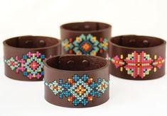 Kit de bricolage au point de croix - bracelet en cuir noir avec un Design inspiré du sud-ouest