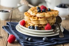 7 Waffle Recipes That Will Make You Crave Waffles Right Now Buckwheat Waffles, Whole Wheat Waffles, Bisquick Recipes, Waffle Recipes, Oats Recipes, Breakfast Items, Eat Breakfast, How To Make Bisquick, Protein Waffles