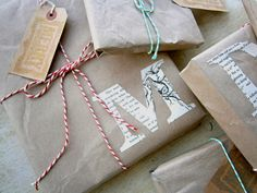 Unique DIY Christmas Gift Wrapping Ideas, i will be wrapping my close friends christmas presents alike to this, so cute' shabby and chic! :)